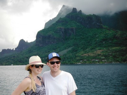 Katharine and Simon and the peaks of Moorea