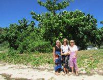 Caroline, Sarah, and Nina with the kava bundle