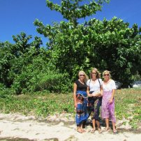 Caroline, Sarah, and Nina with the kava bundle